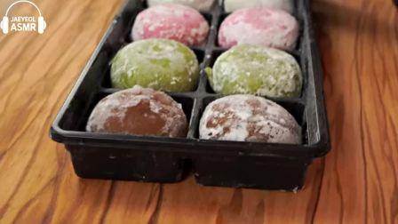 """搞笑吃播姐姐:""""彩虹绉纱蛋糕蜡瓶糖果马卡龙糯米糍冰淇淋"""",听这咀嚼音,吃货小哥吃得真馋人"""