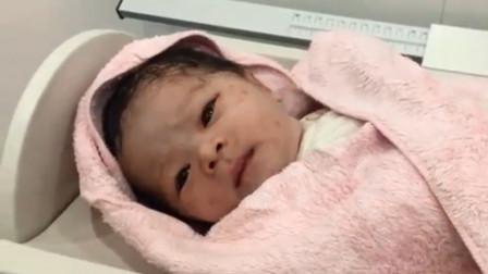 刚出生的新生儿,就有这么灵动的眼睛,网友:长大肯定是个大美女