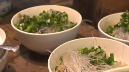 舌尖上的中国:中国人的主食天堂,自己掰的牛羊肉泡馍,也是一种享受