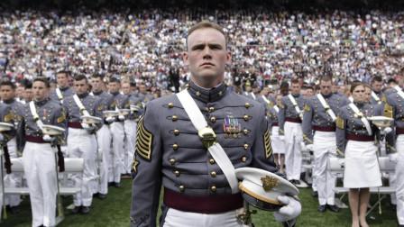 美国西点军校请中国演讲,讲了两句话后,台下就响起热烈掌声