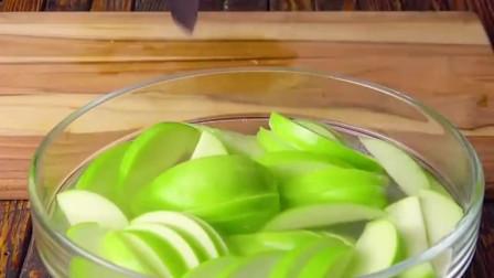 苹果片蛋糕你吃过吗,超级美味啊,要不要尝试一下