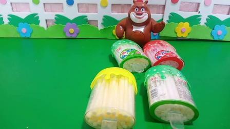 小猪佩奇玩具:大头,熊大,光头强到底谁的糖果最好吃