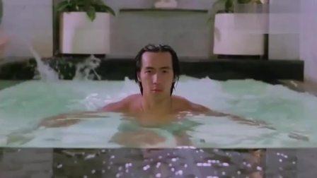 原来他是靠泡冷水澡比别人久,才当上老大的,真能忍啊