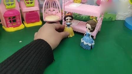 小猪佩奇玩具:贝儿白雪谁做的棒棒糖好看?