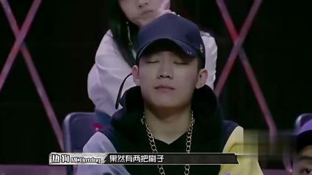 中国有嘻哈:小青龙这段rap,热狗直言有两把刷子