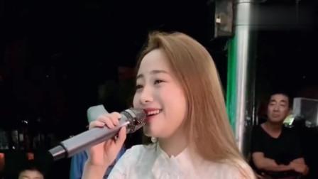 美女翻唱一首网络情歌《一曲红尘》唱的太好听了!