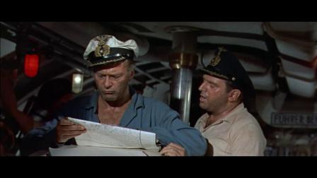 经典二战片德军潜艇被美军舰追击,遭遇深水炸弹猛烈轰炸
