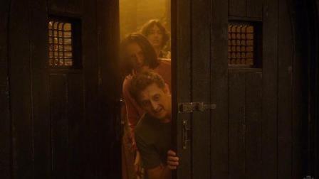 """《比尔和泰德寻歌记》发布片段 两兄弟穿越寻找""""救命歌曲"""""""