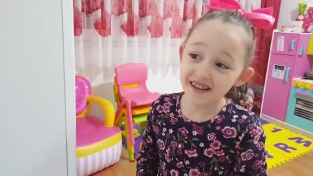 外国少儿时尚,小女孩做的水果冰激凌,会怎么样