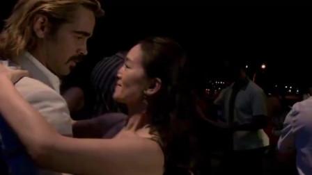 迈阿密风云:桑尼和伊莎贝拉来到酒吧,跳起了热舞,舞姿不错啊