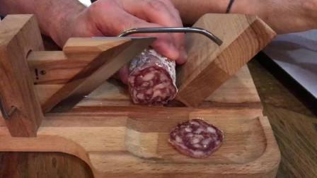 法国家常香肠刀,与处决路易十六的断头台同款
