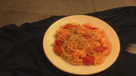 我的美食日记番茄虾仁意面我更喜欢番茄和意面一起煮~