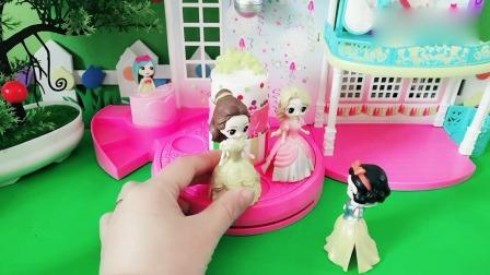 小猪佩奇玩具:漂亮的梦幻舞池白雪可以玩吗?