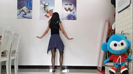 旋律抒情的江南曲调 优雅动人的舞蹈让人心情舒畅