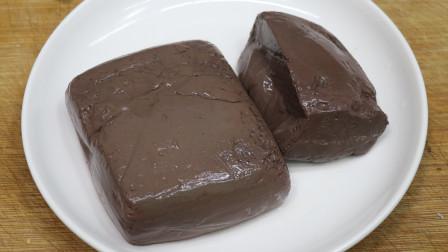 豆瓣鸭血的家常做法,鸭血鲜嫩不破碎,一点也没腥味,入口即化