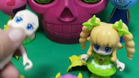 小猪佩奇玩具:蛇精出来抓小孩,熊二和乔治会上当吗?