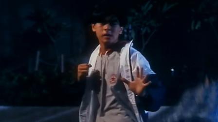 张卫健林志颖吴奇隆默契配合,暴打小混混,三个人真是青春无敌