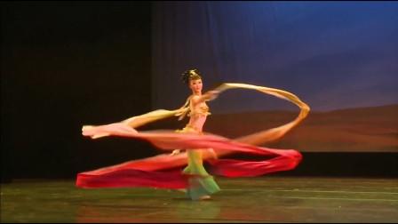 敦煌舞《遇见飞天》,专业的舞蹈,韩红老师的音乐,复原了敦煌文化的魅力