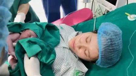 顺产经过产道挤压的新生儿,这头型也太漂亮了,你有见过吗?