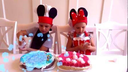 国外儿童时尚,萌娃姐妹自己做蛋糕,比一比谁做的更好吃呢?