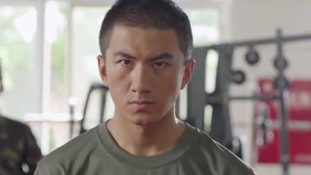 影视:新兵格斗训练,世界军人搏击冠军的连长,竟被新兵压着打