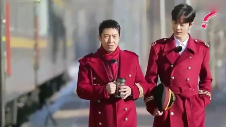 明星撞衫现场:赵丽颖和谢娜表现太真实,肖战撒贝宁穿同款PK!