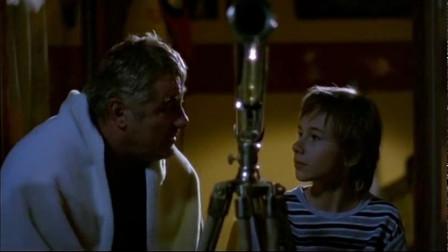天堂来客:男孩睡不着,竟然邀请天使去阳台看星星