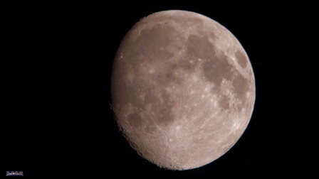 跟随美妙的音乐一起欣赏下月亮吧