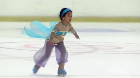 小女孩参加花样滑冰比赛,舞姿曼妙收放自如,跳的比大人还好看!