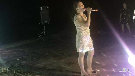 广西上林乡村文化广场舞 三里歌友会单人唱