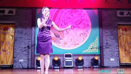 一曲《前门情思大碗茶》;李谷一唱过,这位大姐唱的也很棒