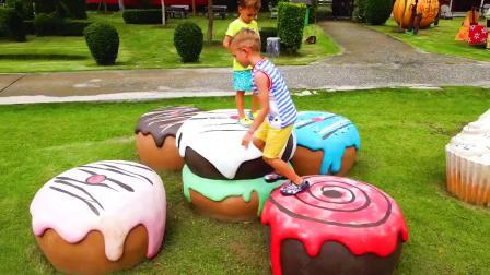 萌宝益智幼教:萌娃小可爱在外的奇幻之旅,还有巨大的蛋糕,萌娃:小羊好可爱