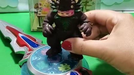 小猪佩奇玩具:猪妈妈总让猪爸爸减肥,他气的要离家出走