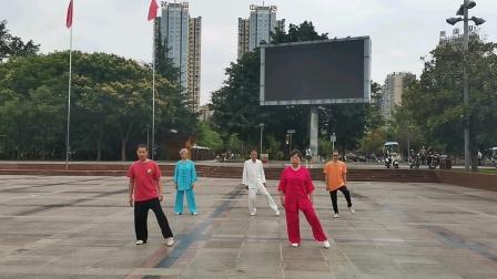 2020年9月10日洪雅广场晨练42式太极拳