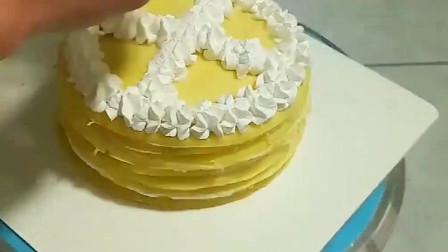 小姐姐教你做千层蛋糕,眼前的这一幕,让我开了眼界!