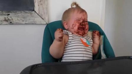 宝宝独自吃花生酱瞬间变成小花猫,不够吃立马发飙大哭,太可爱了