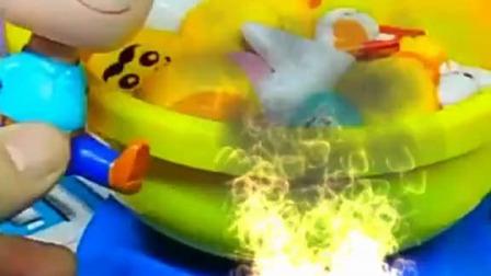 小猪佩奇玩具:猪爸爸又耍小孩子脾气,非要吃糖果