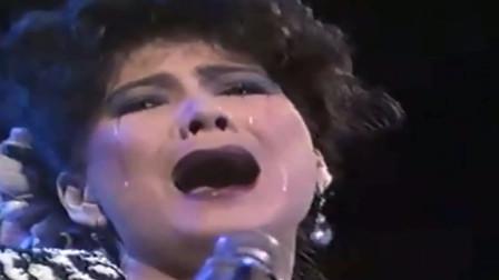 丈夫因车祸去世,甄妮唱了一首《再度孤独》,现场太催泪了
