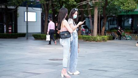 喜欢牛仔裤的姑娘很多,选择修身还是宽松,会搭配高跟鞋么?