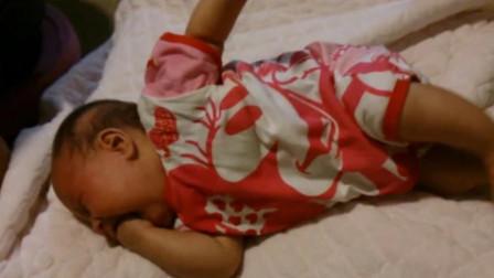 """戒夜奶第一晚,没想到宝宝奶瘾上来了,这失控的样子太""""恐怖""""了"""