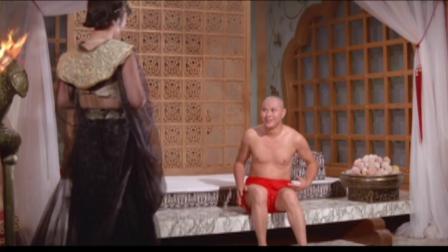女儿国:八戒变成师傅的样子和侍女嬉戏,连女帝都被他迷住了