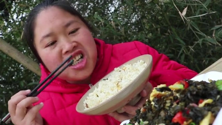 胖妞用鳝鱼做鱼焖饭,吃起来真鲜