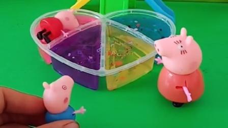 猪妈妈买来一盒起泡胶佩奇乔治以为是果冻吃后竟然晕倒