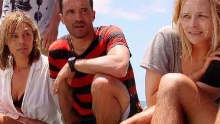 《大堡礁惊魂》几名背包客惨遭食人鲨活撕