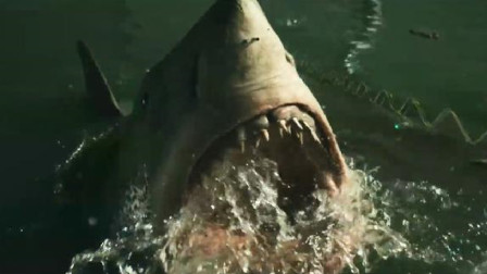 大海啸卷席整个城市,深海大白鲨游进超市,然后疯狂吃人
