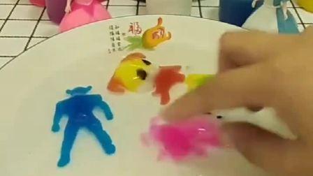 贝儿有个模型玩具,做出了好玩的模型,白雪也想和贝儿一起玩