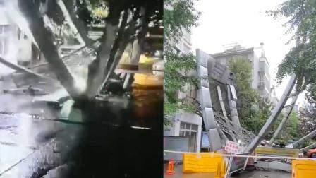 雨夜小区大门轰然倒塌,钢架结构散落 住户后怕:女婿的车刚经过