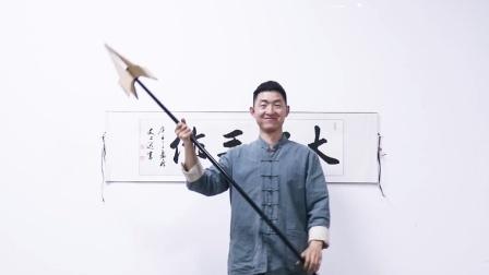大圣自制青莲剑和亮银枪,用废纸板做材料,王者武器轻松铸造
