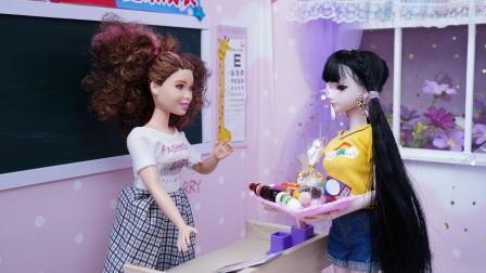 叶罗丽偷偷带零食到学校,结果不打自招被老师发现