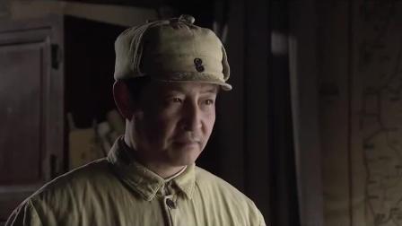 间谍在部队表现太好了,八路首长想让他入党,间谍瞬间傻眼了